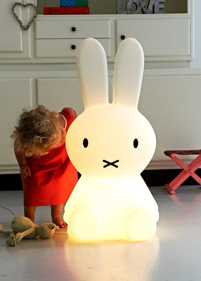 Miffy XL lampa – galet söt!